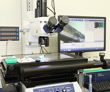 進興金属工業株式会社 顕微鏡測定器